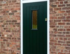 Design your dream door today. Choose from stunning shades like this elegant Racing Green.