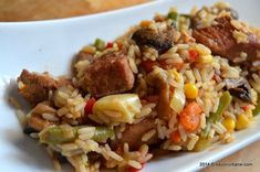 Pilaf de orez cu legume si carne (1) Pork Recipes, Chicken Recipes, Cooking Recipes, A Food, Good Food, Romanian Food, Romanian Recipes, Tomato Mozzarella, Fried Rice