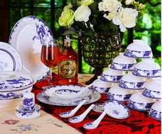 A blue and white porcelain set