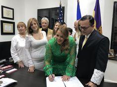 Lornna Soto jura a un segundo término como alcaldesa de...