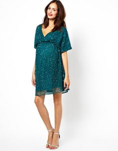 Maternity Christmas party dresses | BabyCentre Blog- style for mums-to-be! Laura xox www.madepeachy.com