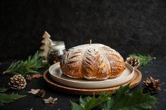 Jesenný chlieb s tekvicou, ktorý vydrží viac dní mäkký. Skvelý recept, ktorý zaujme na pohľad a na chuť je skvelý. Užite si jeseň s Hokaidó chlieb. Bread, Cake, Desserts, Food, Basket, Tailgate Desserts, Deserts, Brot, Kuchen
