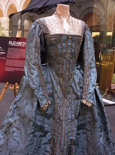 Elizabeth: The Golden Age Film Costume by mandymaria, via Flickr