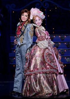 Victorian Gown, Japanese Culture, Marie Antoinette, Stage, Feminine, Gowns, Costumes, Rococo, Versailles