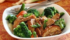 A tasty, soy-free teriyaki chicken recipe for your slow cooker that& all paleo and gluten-free. Delicious and juicy with that great teriyaki flavor you love! Crock Pot Recipes, Paleo Recipes Easy, Slow Cooker Recipes, Paleo Food, Paleo Meals, Clean Recipes, Healthy Meals, Primal Recipes, Paleo Vegan