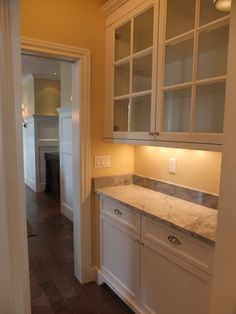 Layout--Small butlers pantry