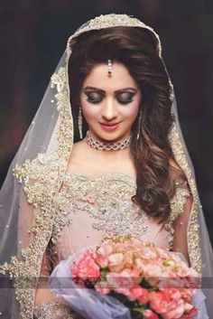 Pakistani Bridal Dresses 2018 - Latest Mehndi, Barat & Walima Dresses for Bride on Wedding Day - Conventional dressing for brides includes Gharara and Lehen Pakistani Bridal Hairstyles, Pakistani Bridal Lehenga, Pakistani Bridal Makeup, Pakistani Wedding Outfits, Bride Hairstyles, Lehenga Wedding, Wedding Veils, Pakistani Dresses, Indian Outfits