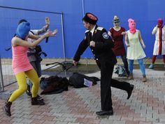 El grupo muestra imágenes de las agresiones que sufrieron al intentar protestar en una sede de los Juegos Olímpicos de Invierno de Sochi