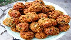Five Delicious Vegetarian Meatball Recipes (Baking Eggplant Meatballs) Veggie Recipes, Vegetarian Recipes, Healthy Recipes, Kosher Recipes, Cooking Recipes, Vegetarian Meatballs, Meatball Recipes, Food And Drink, Healthy Eating
