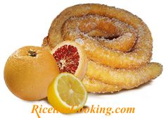 """FRITTELLE LUNGHE SARDE (""""zippulas"""" o """"frisjoli"""" o """"cattas"""") Frijoles, Cookie Desserts, Sweets Recipes, Ricotta, Grapefruit, Fondant, Food And Drink, Candy, Cookies"""