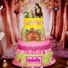 Masha e urso 2nd Birthday Party For Girl, Bear Birthday, 4th Birthday, Birthday Cake, Masha Cake, Marsha And The Bear, Baby Girl Shower Themes, Bear Party, Disney Cakes