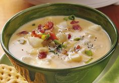 Slow Cooker Cheesy Potato Soup Recipe from Betty Crocker. I love my own potato soup recipe but I'm always open to trying new recipes. Slow Cooker Potato Soup, Cheesy Potato Soup, Cheesy Potatoes, Bacon Soup, Baked Potato, Sausage Soup, Jack Potato, Farmer Sausage, Potato Food