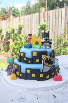 Can't find Batman Lego decorations? It doesn't matter if you have an awesome themed cake!!! Woot woot!