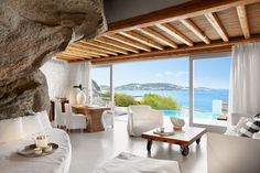Vacation villa Metida interior & view. Mykonos, Greece. From $282 per person/night. http://www.privatevacation.com/photos/425/big/11184.jpg