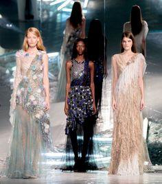 Get inspired and discover Rodarte trunkshow! Shop the latest Rodarte collection at Moda Operandi. New York Fashion, Runway Fashion, Spring Fashion, High Fashion, Fashion Show, Fashion Design, Slow Fashion, Fashion Ideas, Winter Dresses