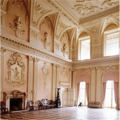 The great hall at Ragley Hall, baroque plasterwork by James Gibbs,1750.