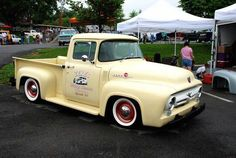 1953 - 1956 F-100 Pickup Trucks: 1956 Ford F-100 Pickup Truck