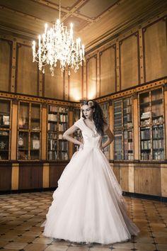 Coleção Solaine Piccoli 2013 Wedding Dress Pictures, White Wedding Dresses, Dresser, Welcome To Our Wedding, Glamour, One Shoulder Wedding Dress, Unique, Sissi, Headpieces