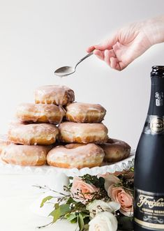 Send guests home on a sweet note with these Cava-infused treats.