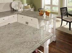 Etonnant Madura Pearl Countertop And Island Shown.