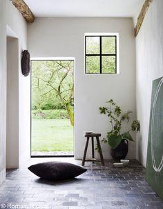#interior #decor #styling #entryway #hallway #natural #floor #tiles #branch
