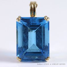 See more #vintage #jewelry #vintagejewelry on our website (link in bio!). LARGE BLUE TOPAZ 14K YELLOW GOLD PENDANT. #blue #topaz #yellowgold #pendant