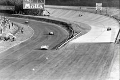 Scene captured during the race, with cars coming side to side from different parts of the circuit 1955 Italian Grand Prix, Autodromo Nazionale Monza 1955 Italian Grand Prix Ferrari, Italian Grand Prix, Formula 1 Car, Racing Events, Best Track, F1 Racing, Car And Driver, Vintage Racing, Courses