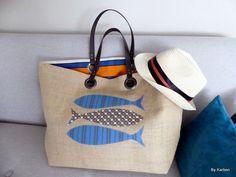 sac cabas XL en toile de jute esprit vintage avec poisson bleus et orange de la boutique bykarbon sur Etsy