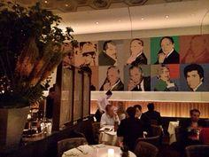 Restaurante en New York Casa Lever. Super agradable la combinación de arte y gastronomia. La colección de cuadros de Andy Warhol es espectacular, todo ello amenizado por un ambiente supe racogedor. 390 Park Avenue at 53rd.