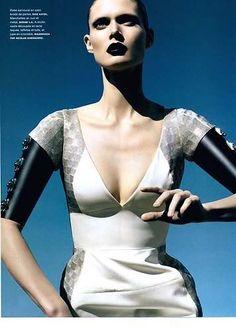 Magazine: Numéro Feb 2007 Photographer: Camilla Akrans Model: Malgosia Bela