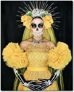 Halloween 2020, Halloween Make Up, Halloween Party, Halloween Costumes, Skeleton Costumes, Skeleton Makeup, Couple Halloween, Vintage Halloween, Sugar Skull Kostüm