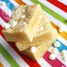 Foto da receita: Brownie de chocolate branco delicioso