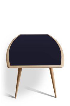 BON TON, tavolo in legno di frassino con piano colorato di forma semiellittica e gambe tornite a sezione conica. Design Maurizio Duranti