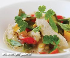 This delicious Hairy Bikers' Thai chicken and coconut curry recipe takes a classic dish and reduces the calories to turn it into a healthy family meal Dinners Under 500 Calories, 300 Calorie Meals, Low Calorie Recipes, Diet Recipes, Healthy Recipes, Chicken Recipes, Recipies, Uk Recipes, Savoury Recipes