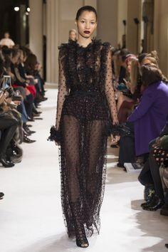 Giambattista Valli Fall 2017 Ready-to-Wear Fashion Show - Lineisy Montero (Next)