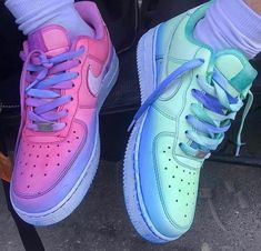 High end fashion, streetwear, art & pop culture Jordan Shoes Girls, Girls Shoes, Cute Sneakers, Sneakers Nike, Air Force One, Nike Shoes Air Force, Baskets, Lit Shoes, Streetwear