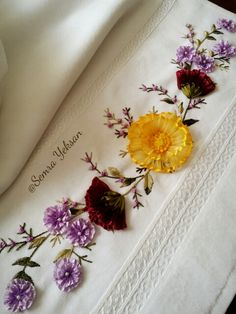 Wonderful Ribbon Embroidery Flowers by Hand Ideas. Enchanting Ribbon Embroidery Flowers by Hand Ideas. Simple Embroidery, Learn Embroidery, Silk Ribbon Embroidery, Hand Embroidery Patterns, Embroidery Kits, Embroidery Designs, Towel Embroidery, Ribbon Art, Ribbon Crafts