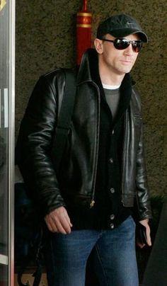 Daniel Craig in Aero