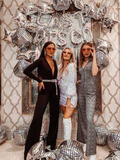70s Party, Disco Birthday Party, Disco Party, Disco Theme Parties, Disco Disco, Cowgirl Bachelorette Parties, Bachelorette Party Themes, Bachelorette Weekend, Mamma Mia