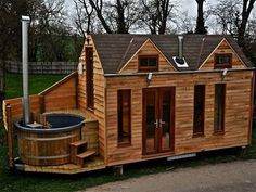 Tiny house with hot tub!!!