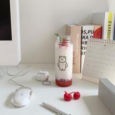 Korean Aesthetic, Aesthetic Images, Aesthetic Food, Study Space, Fruit Drinks, Study Motivation, Fashion Room, Bottle Design, Cute Food