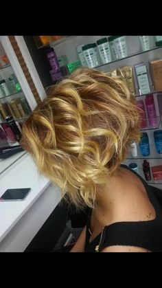 #InvertedBob #StackCut More Ponytail Hairstyles, Hairstyles With Bangs, Pretty Hairstyles, Short Curly Hair, Short Hair Cuts, Curly Hair Styles, Bob Haircut For Fine Hair, Womens Bob Haircut, Shortish Hair