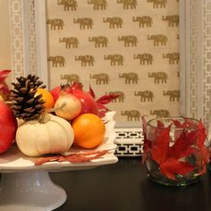 4 Creative Ways to Decorate With Fall Leaves – leaf votives Decorating Your Home, Decorating Ideas, Composting, Fall Leaves, Fall Decorations, Wicked, Pumpkin, Diy Projects, House Design