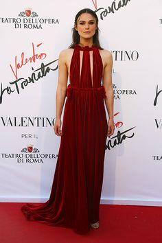 """¿Qué tienen en común Keira Knightley, Kim Kardashian y Olivia Palermo? La ópera. Concretamente la nueva """"Traviata"""" de Verdi, con Sofia Coppola y Valentino, estrenada ayer en Roma. Así fue la alfombra roja del evento."""