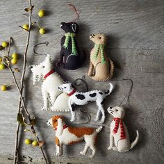 Felt dog ornaments. Oh.My.Goodness. Have you ever seen anything so cute? There's a labrador, beagle, dalmation, and a westie to name but a few. Do I have your attention yet?!