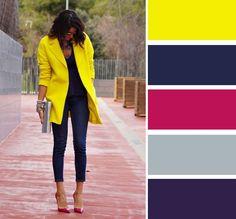 Цвета расположены по треугольнику в цветовом колесе: темно-синий как основа силуэта, желтое, чуть приглушенное пальто и темно-красные туфли.
