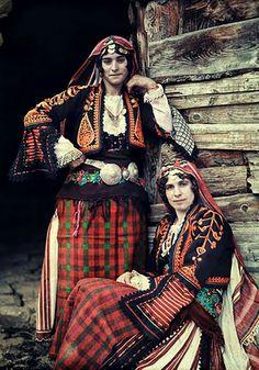 Bulgarian girls in folk costumes from Rodope mountain