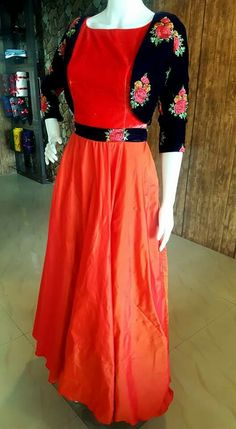 Churidar Designs, Kurta Designs Women, Blouse Designs, Indian Gowns, Pakistani Dresses, Frock Design, Saree Dress, Anarkali Gown, Indian Designer Wear