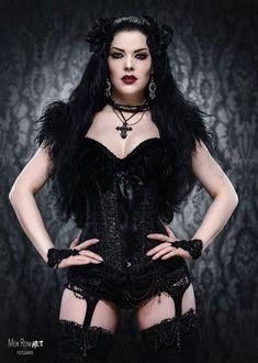 Gothic and Amazing /// Model : Gatto Nero Katzenkunst Photo: Meik Reinhardt-Fotografie Hot Goth Girls, Punk Girls, Gothic Girls, Goth Beauty, Dark Beauty, Dark Fashion, Gothic Fashion, Style Fashion, Gothic Models