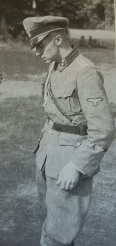 Hauptsturmführer Jochen Peiper, adjutant to Heinrich Himmler, in Poland German Soldiers Ww2, German Army, Joachim Peiper, Army History, Germany Ww2, The Third Reich, Red Army, Luftwaffe, Held